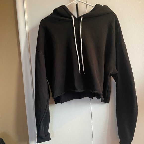Crop Black Sweatshirt